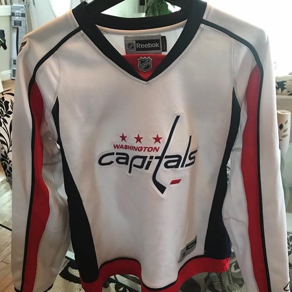 new concept b8cb8 aa003 Women's Washington capitals jersey